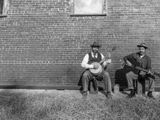 Permalink to Maggie Longmire / Red Mountain Jug Band